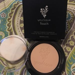 Younqiue Pressed powder.